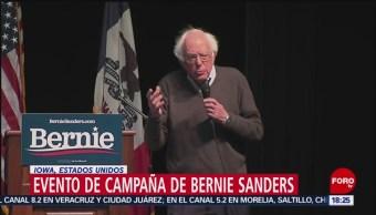 FOTO: Bernie Sanders realiza campaña en ayuntamiento de Burlington, Iowa, 6 de abril 2019