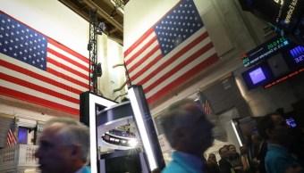 Foto: Los comerciantes trabajan en el piso de la Bolsa de Nueva York (NYSE), abril 15 de 2019 (Reuters)