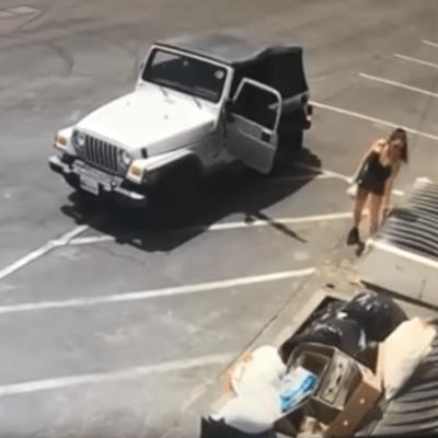 Video: Mujer tira a la basura una bolsa llena de cachorros vivos y recién nacidos
