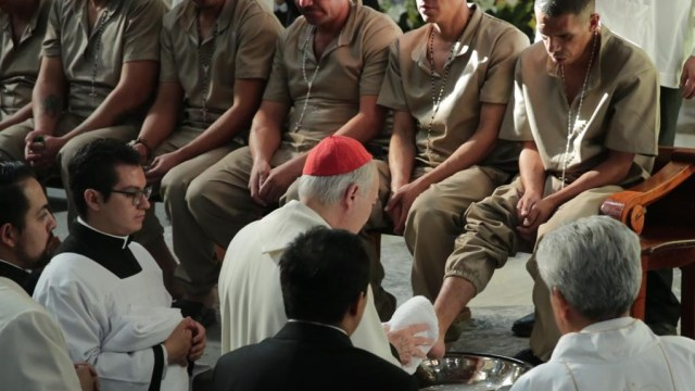 Foto: Ceremonia de lavado de pies en la Catedral Metropolitana, 18 de abril 2019. Twitter @Hazaelruizo
