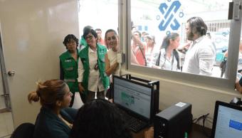 Jóvenes inscritos a programas Pilares recibirán beca mensual