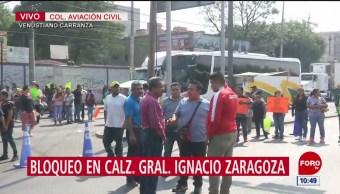 Comerciantes bloquean la calzada Ignacio Zaragoza
