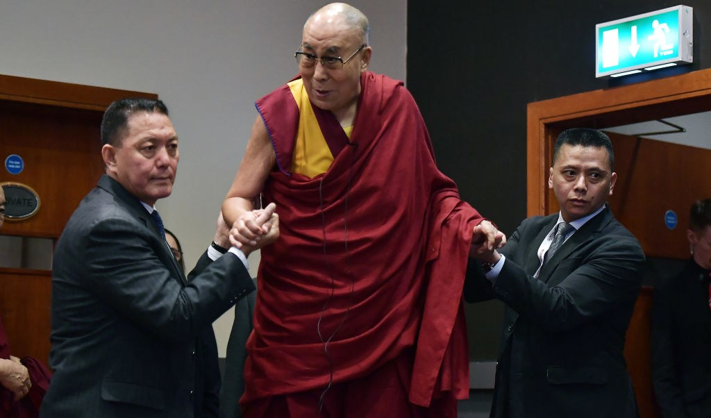 Dalai Lama es ingresado a un a hospital en la India