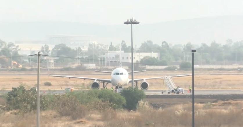Foto: Despista avioneta en Aeropuerto del Bajío, 15 de abril 2019. Noticieros Televisa