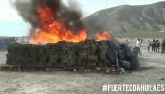 Foto: destruyen droga y alcohol en Coahuila, 11 de abril 2019. Twitter @GobDeCoahuila