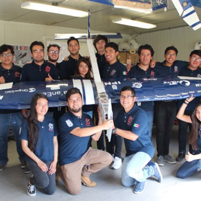 Estudiantes IPN ganan competencia internacional de aeronáutica