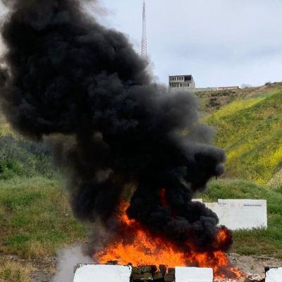 Incineran 2 toneladas de narcóticos en Baja California