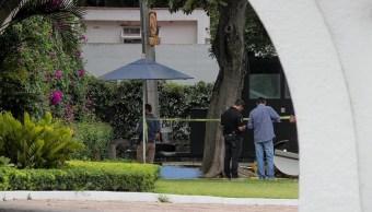Foto: Servicios de emergencia atienden a una mujer apuñalada frente a Casa Jalisco. El 25 de abril de 2019