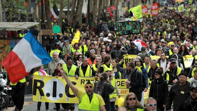 fOTO: Chalecos amarillos se manifiestan en Francia, 27 abril 2019