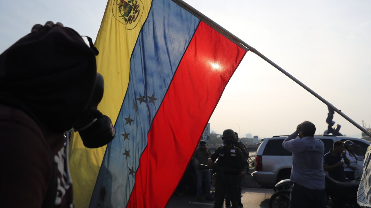 FOTO Fuerza Armada de Venezuela defiende la autoridad legítima, dice el ministro de Defensa (EFE 30 abril 2019)