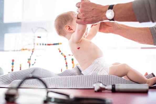 Permisos de paternidad ya son de dos meses en España