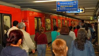 Detienen a hombre por presunto abuso sexual en el Metro