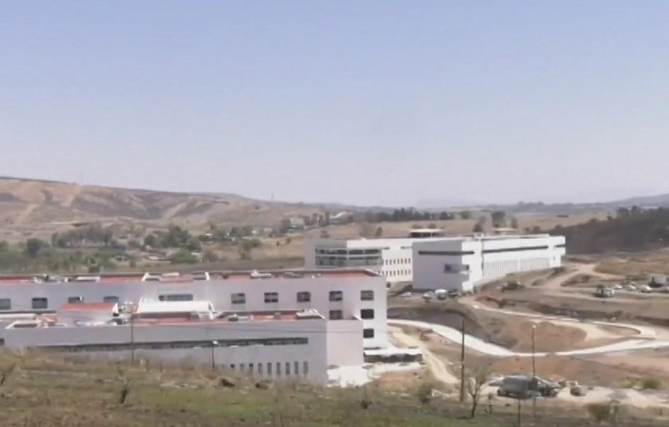 En abandono o suspensión, 250 hospitales en México