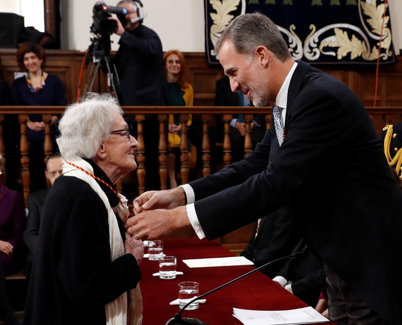 FOTO Ida Vitale, poeta uruguaya, recibe el Premio Cervantes 2019 23 abril