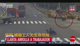 Foto: Llanta atropella a trabajador en China