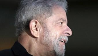 Foto: El expresidente de Brasil, Luiz Inácio Lula da Silva, preso hace un año por corrupción, dice tener la consciencia tranquila, abril 7 de 2019 (Reuters)