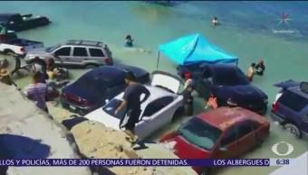 Marejada sorprende a vacacionistas de Puerto Peñasco, Sonora