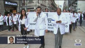 Foto: Médicos dialogan con autoridades; podría resolverse situación