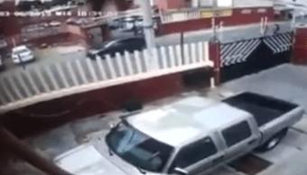 Foto Video: Niña evita secuestro corriendo en sentido contrario 11 abril 2019