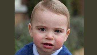 El príncipe Luis cumple su primer año y difunden sus tiernas fotos