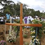 FOTO Sri Lanka rebaja a 253 cifra de muertos por atentados (AP)
