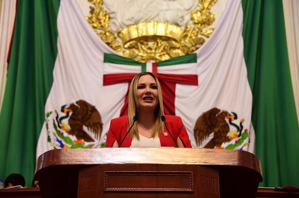 Diputada propone retirar estatuas de Colón y Cortés