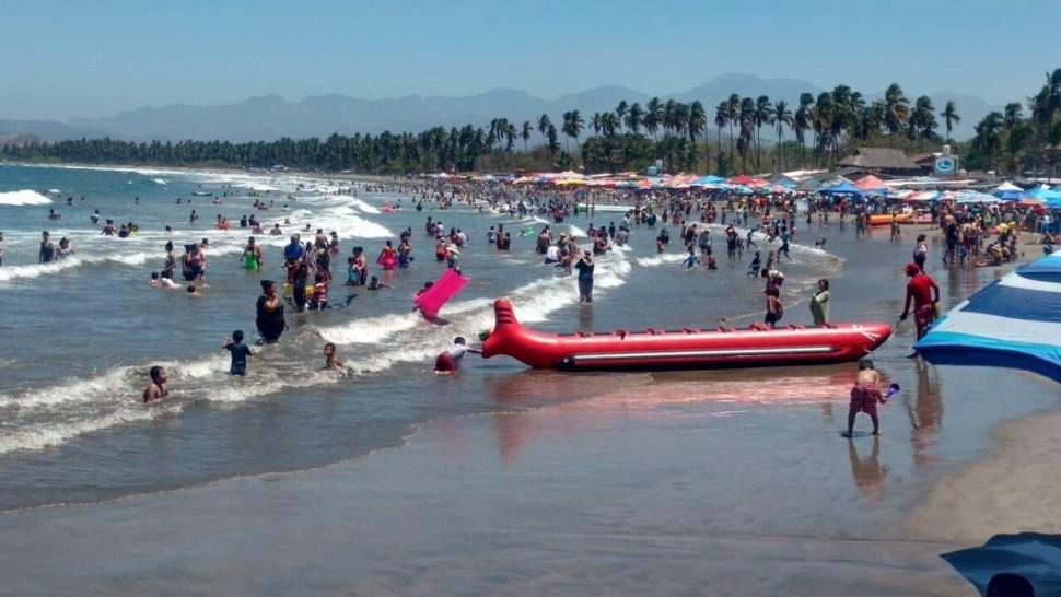 Foto Turistas abarrotan las playas de México en Semana Santa 19 abril 2019