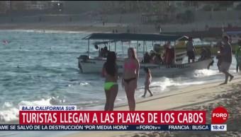 Foto: Turistas llegan a las playas de Los Cabos