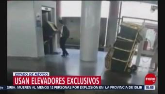 Foto: Vagoneros usan elevador reservado para llevar mercancías al Metro