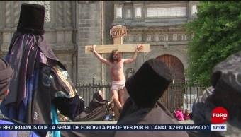 FOTO: Viacrucis barroco afuera de la Catedral Metropolitana, 19 ABRIL 2019