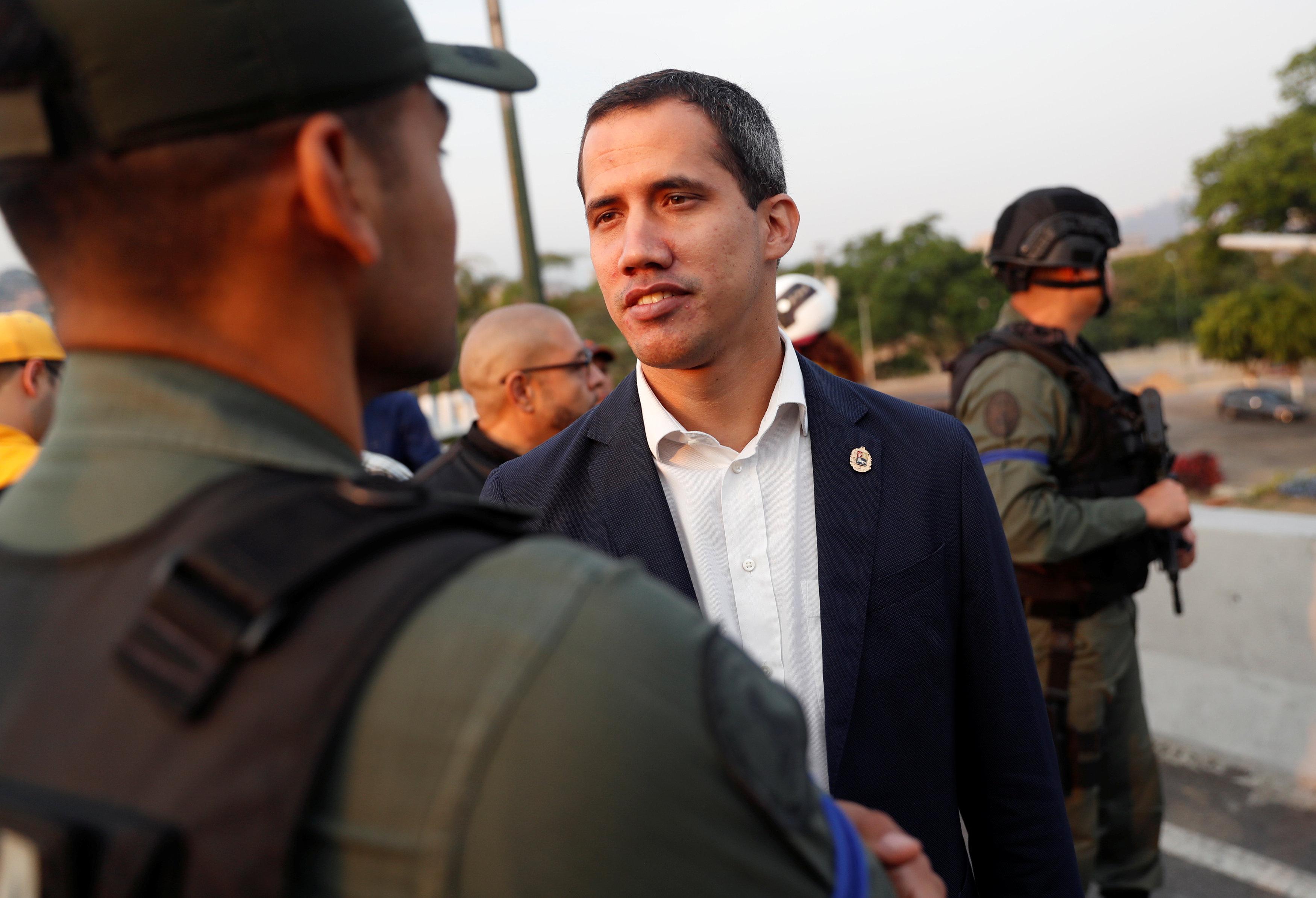 Video: Así llamó Guaidó a levantamiento militar en Venezuela