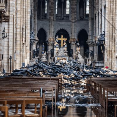 Aún hay riesgo en la estructura de Notre Dame, dice gobierno francés
