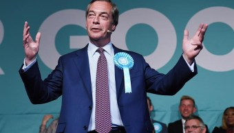 Foto: El Partido del Brexit del eurófobo Nigel Farage obtiene una victoria en las elecciones europeas, el 21 de mayo de 2019 (EFE)
