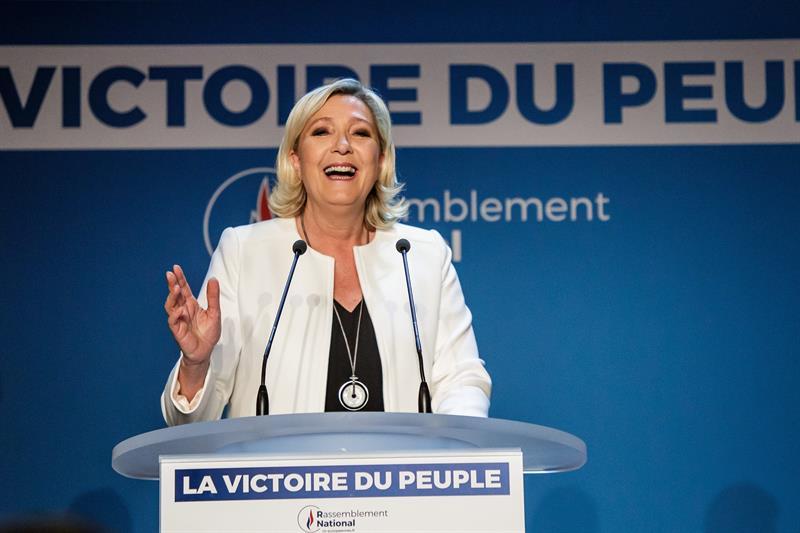 Foto: La presidenta del partido ultraderechista francés Agrupación Nacional, Marine Le Pen, pronuncia un discurso en la sede de su partido en París, Francia, el 27 de mayo de 2019 (EFE)