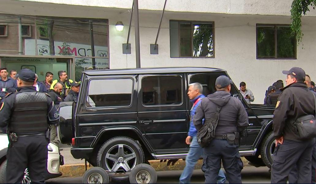 Foto: Los detenidos viajaban en una camioneta de color negra en la alcaldía Cuauhtémoc, el 18 de mayo de 2019 (Noticieros Televisa)