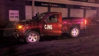 Foto: Autoridades de Michoacán investigan el ataque en el que murieron tres policías municipales de Zamora y 10 personas más resultaron heridas, mayo 26 de 2019 (Twitter: @cuartopodermich)