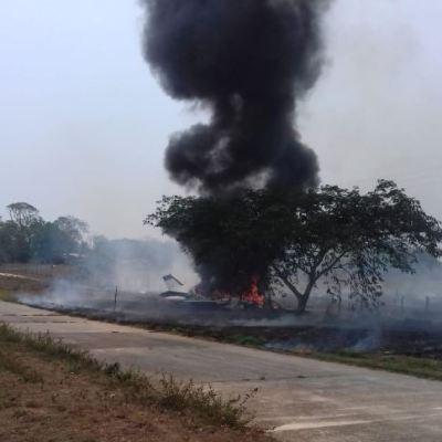 Buscan a tripulantes de avioneta que aterrizó en llamas en Veracruz