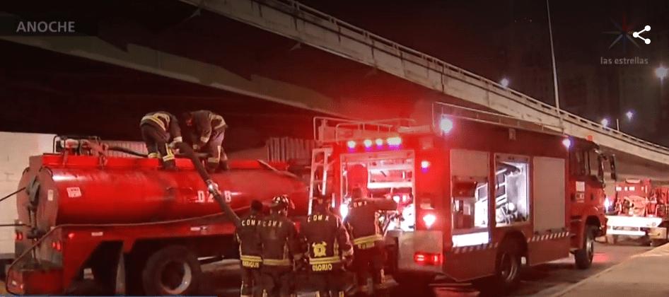 Foto: Bomberos atienden incendio en CDMX, 6 de mayo de 2019, México