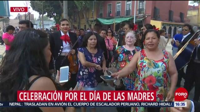 FOTO: Celebran el Día de las Madres en Garibaldi