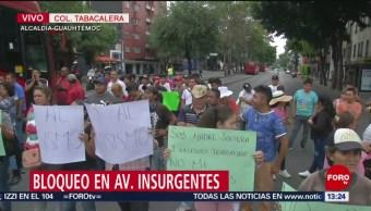 FOTO. Comerciantes bloquean avenida Insurgentes