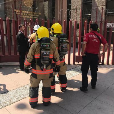Desalojan edificio del Poder Judicial en San Lázaro por amenaza de bomba