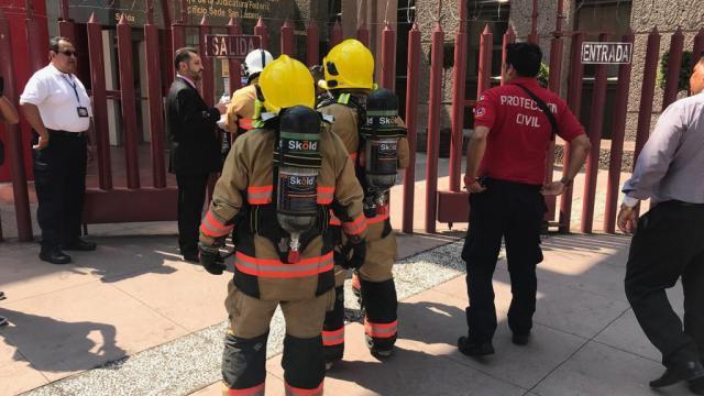 FOTO Desalojan edificio del Poder Judicial en San Lázaro por amenaza de bomba (Noticieros Televisa 22 mayo 2019 cdmx)