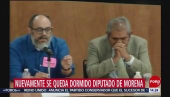 FOTO:Diputado de Morena se duerme durante discusión, 24 MAYO 2019
