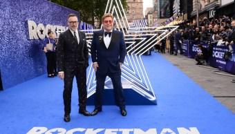 """Foto: Elton John asisten al estreno en el Reino Unido """"Rocketman"""" en Odeon Leicester Square el 20 de mayo de 2019 en Londres, Reino Unido (Getty Images)"""