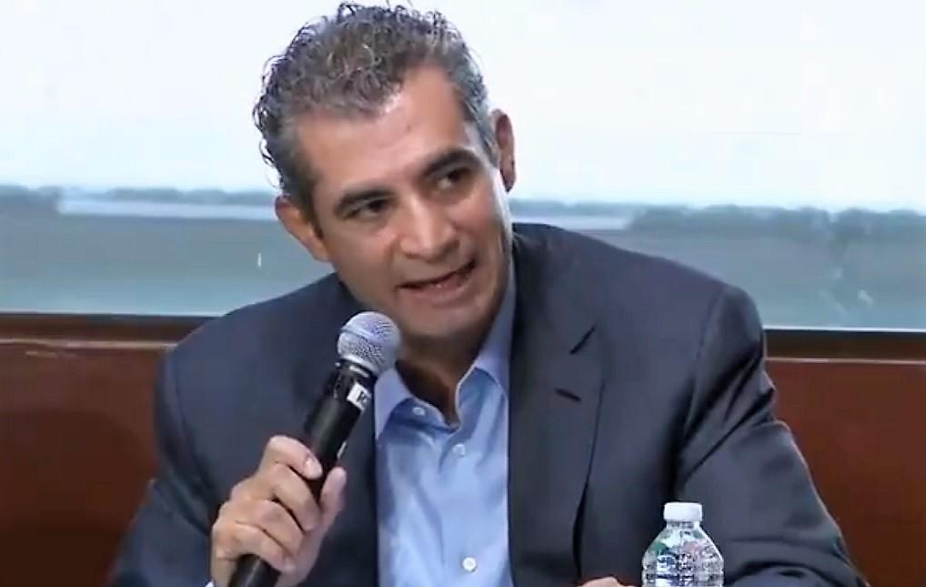 Enrique Ochoa, dispuesto a comparecer por compra de Agro Nitrogenados