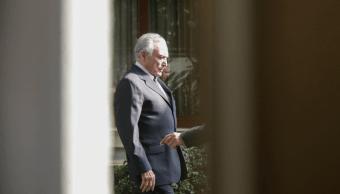 Foto: Expresidente de Brasil Michel Temer sale de casa para regresar a prisión, 9 de mayo de 2019, Sao Paulo