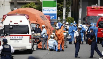 Foto: Servicios de emergencia atienden a las víctimas de ataque con cuchillo en Kawasaki, Japón. El 28 de mayo de 2019