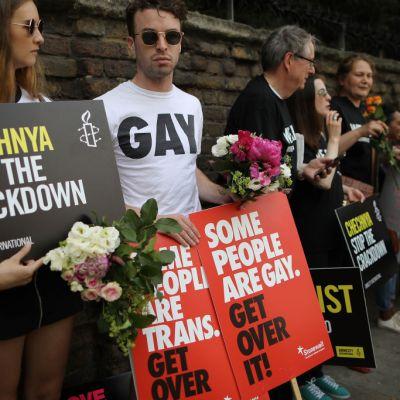Gays sufren nueva ola de ataques en Chechenia: HRW