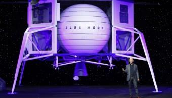 """Foto: Jeff Bezos presenta el módulo de aterrizaje lunar """"Blue Moon"""" de la compañía Blue Origin. El jueves 9 de mayo de 2019"""