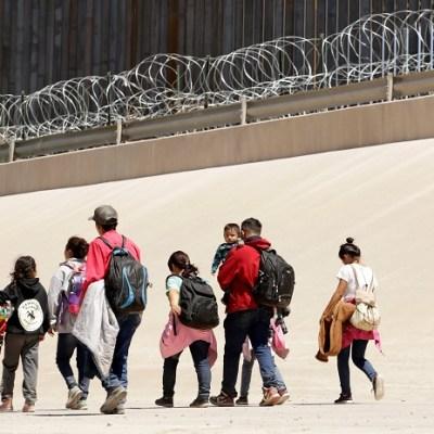 Migrantes colapsan ciudades fronterizas de EEUU y son trasladados a Colorado